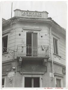 Via Luigi Cibrario angolo Via Medail. Farmacia dell'Ospedale Maria Vittoria. Effetti prodotti dai bombardamenti del 4-5 dicembre 1940. 1