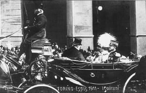 Vittorio Emanuele III e la regina Elena, all'arrivo a Porta Nuova nel 1911, per la visita all'Esposizione Internazionale